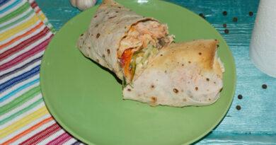 Шаурма (шаверма) в домашних условиях — пошаговый рецепт с курицей + соус для шаурмы