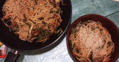 Лапша «Удон» с курицей и овощами — рецепт с соусом «Терияки»