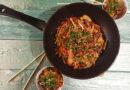 Удон с говядиной и овощами с соусом терияки